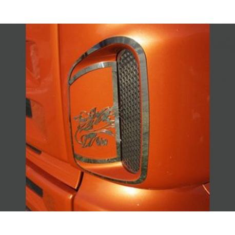 Scania* Maske Lüftungsgitter li/re Rahmen am Foto Griffin zum Nieten