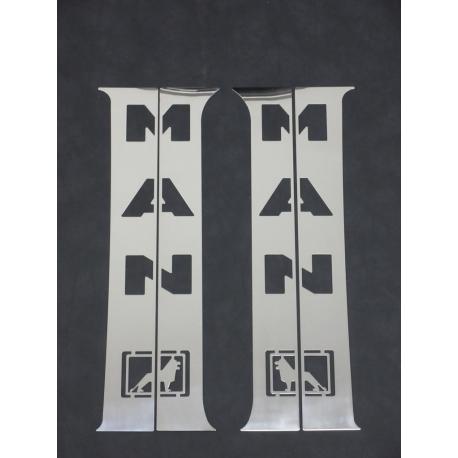MAN* B-Säule 4 Teilig Stantart mit Logo