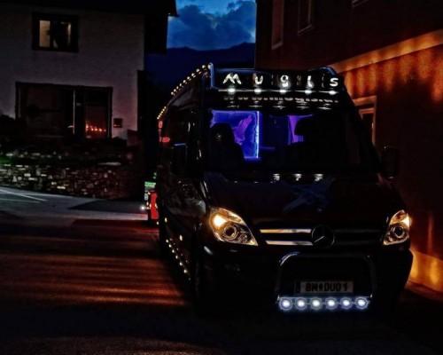 MB MB Bus Umbau LED Beleuchtung und Bügel